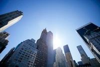 マンハッタン摩天楼と太陽