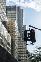 ミッドタウン マンハッタン オフイス街の交通信号