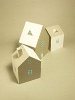 3棟の家 10268000363| 写真素材・ストックフォト・画像・イラスト素材|アマナイメージズ