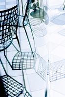 アウトドアーカフェの鉄製の椅子