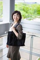 日本人のビジネスウーマン 10272000781  写真素材・ストックフォト・画像・イラスト素材 アマナイメージズ