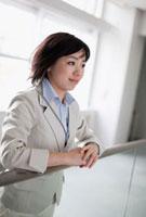 日本人のビジネスウーマン 10272000812  写真素材・ストックフォト・画像・イラスト素材 アマナイメージズ