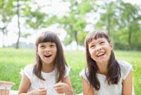 笑顔のハーフの姉妹
