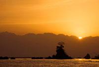 富山湾と立山連峰の夜明け
