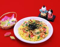 ちらし寿司と雛菓子と立雛 10285002004| 写真素材・ストックフォト・画像・イラスト素材|アマナイメージズ