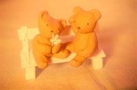 クマのカップルの人形