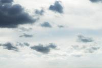 空に浮かぶ雨雲