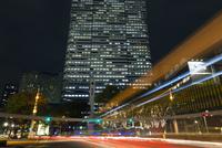 高層ビルとイルミネーション,新宿