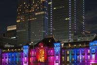 ライトアップの東京駅