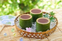 竹の器に入った水ようかん