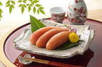 辛子明太子と日本酒 10313000521| 写真素材・ストックフォト・画像・イラスト素材|アマナイメージズ