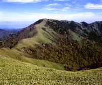 秋の剣山全景