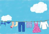 洗濯された色々な洋服