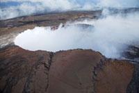 ハワイ島のプウオオ火口 10322000201| 写真素材・ストックフォト・画像・イラスト素材|アマナイメージズ