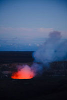 ハワイ島キラウエア火山のハレマウマウクレーター 10322000211| 写真素材・ストックフォト・画像・イラスト素材|アマナイメージズ