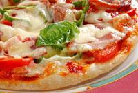 米粉で作ったピザ 10323002200| 写真素材・ストックフォト・画像・イラスト素材|アマナイメージズ