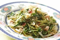 焼豚と空芯菜の新芽の和えもの