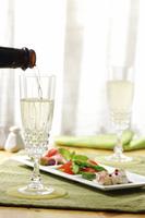シャンパンとサラダ