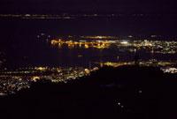六甲ガーデンテラスから望む神戸の夜景 10330000125| 写真素材・ストックフォト・画像・イラスト素材|アマナイメージズ