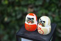 勝尾寺の勝ちダルマ 10330000588| 写真素材・ストックフォト・画像・イラスト素材|アマナイメージズ
