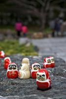 勝尾寺の勝ちダルマ 10330000594| 写真素材・ストックフォト・画像・イラスト素材|アマナイメージズ