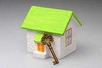 鍵と家 10341001728| 写真素材・ストックフォト・画像・イラスト素材|アマナイメージズ