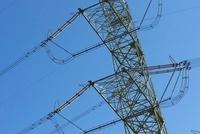 電線と鉄塔 10341003905  写真素材・ストックフォト・画像・イラスト素材 アマナイメージズ
