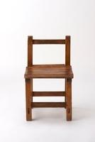アンティークな小学校の椅子