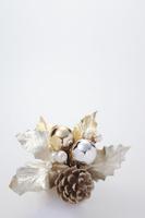 クリスマスリースのオブジェ 10346000469  写真素材・ストックフォト・画像・イラスト素材 アマナイメージズ