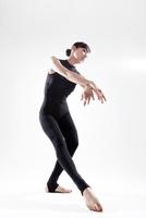 体操のポーズ 10355001671| 写真素材・ストックフォト・画像・イラスト素材|アマナイメージズ
