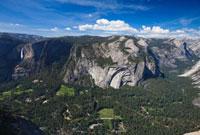 グレイシャーポイントより望むヨセミテ滝とバレー