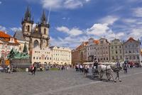 旧市街広場とティーン教会