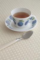 カップアンドソーサーと紅茶