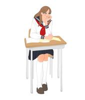 セーラー服を着て教室の机に座り頬杖をつく女子高校生