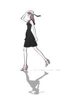 帽子を手で押さえて歩く黒いワンピースの女性 10402000563| 写真素材・ストックフォト・画像・イラスト素材|アマナイメージズ