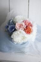 芍薬とバラとアジサイのブーケ 10405000744| 写真素材・ストックフォト・画像・イラスト素材|アマナイメージズ