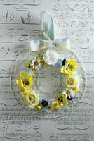 お花のアイアンリース 10405000797| 写真素材・ストックフォト・画像・イラスト素材|アマナイメージズ