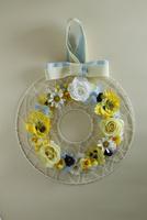 お花のアイアンリース 10405000804| 写真素材・ストックフォト・画像・イラスト素材|アマナイメージズ