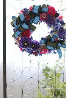 お花とリボンのリース 10405000808| 写真素材・ストックフォト・画像・イラスト素材|アマナイメージズ