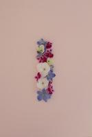 花の数字、1(生花) 10405000857| 写真素材・ストックフォト・画像・イラスト素材|アマナイメージズ