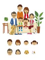 三世帯家族(ソファ)、顔アイコン 10423000819| 写真素材・ストックフォト・画像・イラスト素材|アマナイメージズ