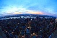 エンパイアステートビルより望むニューヨーク市街の夕景