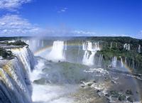 イグアスの滝 10430005824| 写真素材・ストックフォト・画像・イラスト素材|アマナイメージズ