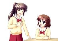 笑顔で会話する2人の女子生徒(中間服・冬服) 10438000021| 写真素材・ストックフォト・画像・イラスト素材|アマナイメージズ