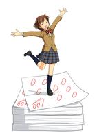 たくさんの100点のテストの上で喜んでいる女子生徒 10438000056| 写真素材・ストックフォト・画像・イラスト素材|アマナイメージズ