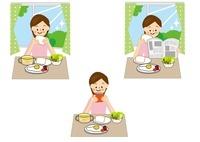 女性と朝食 10447000178| 写真素材・ストックフォト・画像・イラスト素材|アマナイメージズ