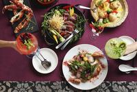 パーティー料理 10455000773| 写真素材・ストックフォト・画像・イラスト素材|アマナイメージズ