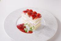 苺のショートケーキ 10455002642| 写真素材・ストックフォト・画像・イラスト素材|アマナイメージズ