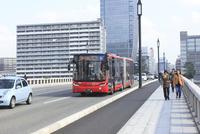 新潟市BRT 萬代橋とBRT連結バス