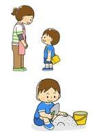 挨拶をする男の子と砂場で遊ぶ男の子